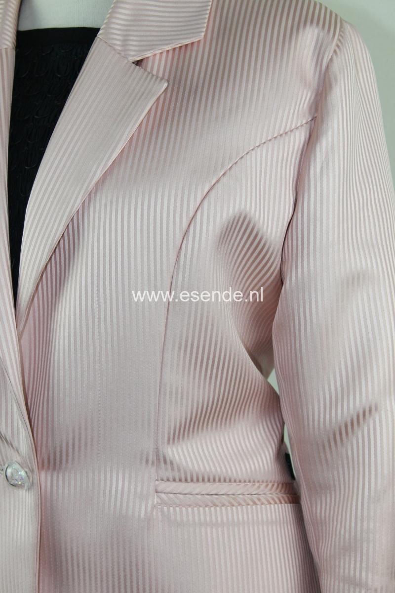 Roze colbert jasje met paspelzakken