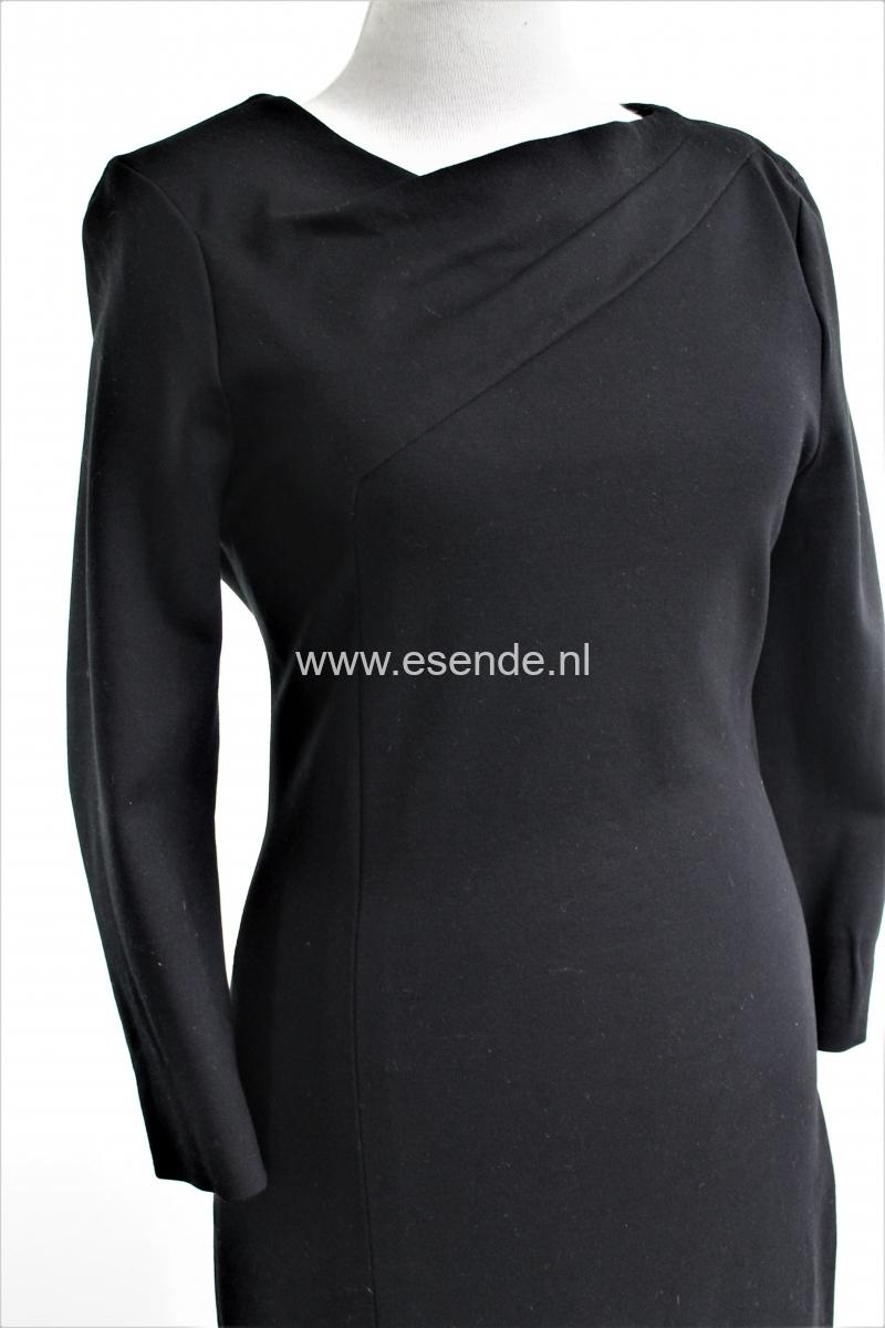 Elegante stijlvolle zwarte jurk