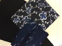 Blauwe soepel vallende viscose stof